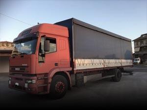 Camiones con toldo / lona