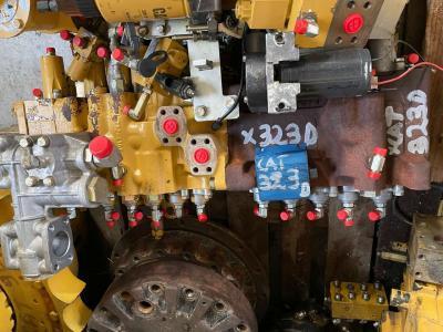 Caterpillar Distribuidor hidraulico para Caterpillar 323d vendida por Mori Onofrio di Mori Maria