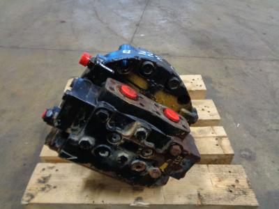 Motor de tracción para Caterpillar 322 B vendida por PRV Ricambi Srl