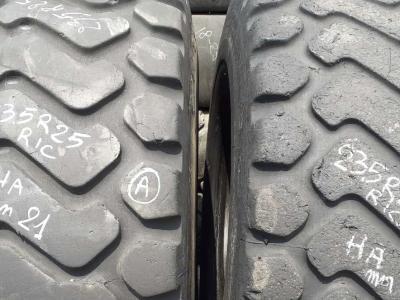 Ricoperta 23.5 R25 XHA vendida por Piave Tyres Srl