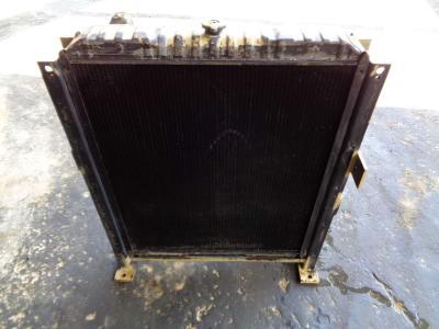 Radiador de agua para Fiat Hitachi Fh 220 vendida por PRV Ricambi Srl