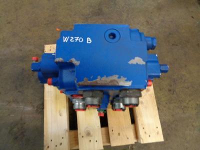 Distribuidor hidraulico para New Holland W 270 B vendida por PRV Ricambi Srl