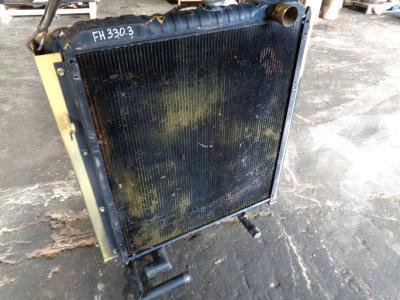 Radiador de agua para Fiat Hitachi FH 330.3 vendida por PRV Ricambi Srl