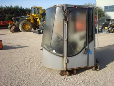 Cabina para Hitachi LX290 vendida por OLM 90 Srl