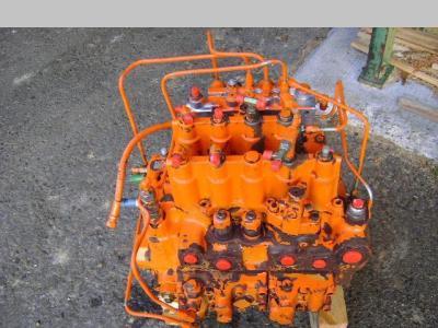 Distribuidor hidraulico para Fiat Hitachi EX 235 vendida por PRV Ricambi Srl