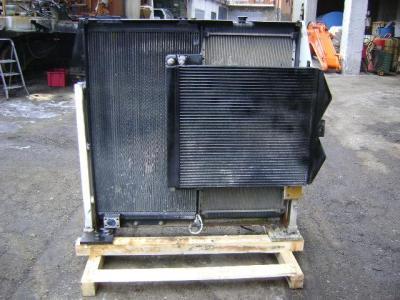 Radiador para Caterpillar 330 D vendida por PRV Ricambi Srl