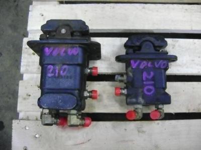 Pedal de Control para Volvo EC 210 B vendida por PRV Ricambi