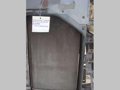 Radiador de agua para Hitachi ZW220 vendida por OLM 90 Srl