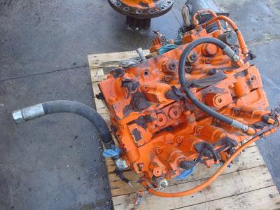 Distribuidor hidraulico para Fiat Hitachi FH450.3 vendida por OLM 90 Srl
