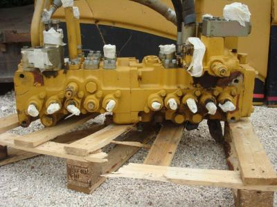 Distribuidor hidraulico para Caterpillar 325C Foto 1