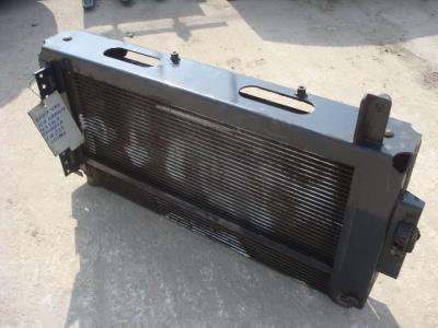 Radiador de aceite para Hitachi ZW 220 vendida por OLM 90 Srl