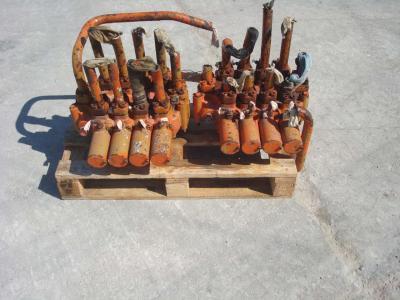 Distribuidor hidraulico para PMI 834 vendida por OLM 90 Srl