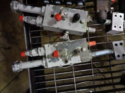 Válvula de bloqueo para Takeuchi TB 1140 vendida por PRV Ricambi Srl