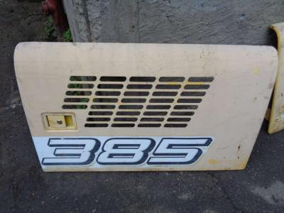 Capó para New Holland E 385 vendida por PRV Ricambi Srl