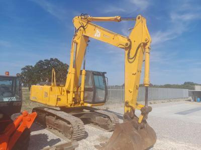 JCB JS 220 vendida por Piolanti srl