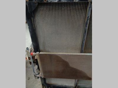 Radiador de agua para New Holland E 385 B vendida por PRV Ricambi Srl