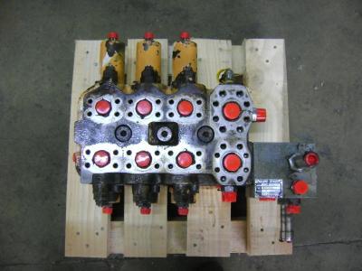 Distribuidor hidraulico para Case 1088 vendida por PRV Ricambi Srl