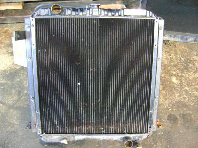Radiador de agua para Fiat Hitachi Ex 165 vendida por PRV Ricambi Srl