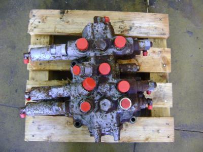 Fiat Hitachi Distribuidor hidraulico vendida por PRV Ricambi Srl