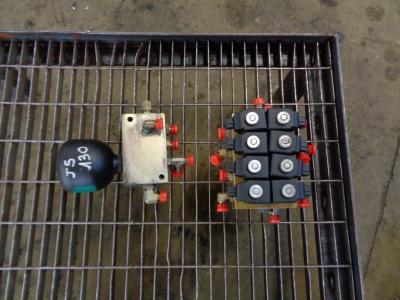 Electroválvula para JCB JS 130 vendida por PRV Ricambi Srl