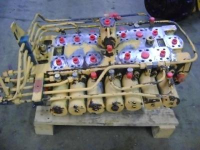 Distribuidor hidraulico para Liebherr 902 vendida por PRV Ricambi Srl