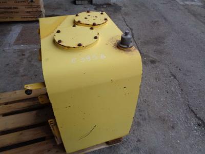 Depósito para aceite para New Holland E 385 B vendida por PRV Ricambi Srl