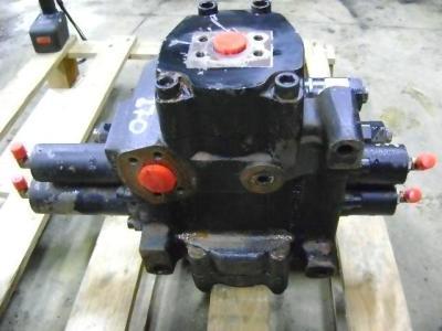 Distribuidor hidraulico para Fiat Hitachi W 270 vendida por PRV Ricambi Srl